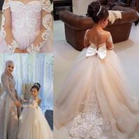 Légère champagne fleur girls robes de dentelle à manches longues applique archet pure cède habillée robe de communion