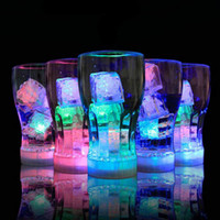 Flash Ice Cube Flash ad attivazione d'acqua Luce a Led Inserita in acqua Drink Flash Automaticamente per Party Wedding Bar Natale 170717