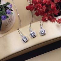 Стерлинговое серебро 925 четыре квадратных Zircon алмазная кулона цепи ключицы женское модное ожерелье 18к заслуживают, чтобы действовать роль ожерелья