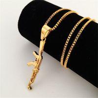 Hip Hop 18K bañado en oro Ametralladora Colgante Ejército Encanto Collar de bala Acero inoxidable 27 pulgadas (70 cm) Collar de cadena larga caja Hombre fresco Fas