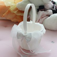 Paniers de fille de fleur en ivoire pour mariages 2019 vente chaude organza satin panier de fleurs définit 21 cm * 22 cm avec grand arc