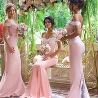 Abiti da damigella d'onore sirena rosa economici Abiti da sposa senza spalline in pizzo rosa Abiti lunghi da damigella d'onore su misura Plus Size Satin