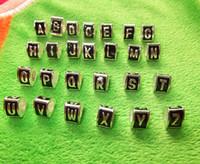 삼각형 합금 금속 느슨한 A-Z 편지 큐브 평방 심장 블랙 에나멜 큰 구멍 구슬 적당한 유럽 뱀 해골 팔찌 / 목걸이 보석