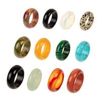 10 шт. Продажа смешанный случайный цвет натуральный камень гладкий агат мода пальцев кольца ювелирные изделия для женщин мужчины реальные ассорти кварцевые кольца кристаллические кольца