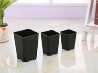الجملة اليابانية التصميم 3 حجم زهور تسرب الجانب خيار البلاستيك المربع للالنباتات النضرة أبيض أسود الحضانة وعاء، ومحطة البذر