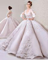 2018 recién llegado elegante mangas largas de encaje apliques V escote vestidos de novia raso apliques vestidos de novia