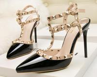 Donne di pelle di pecora nera Nudo in pelle verniciata in pelle verniciata Pompe da donna, 120mm Moda Lred Bottom Tacchi alti scarpe da donna scarpe da sposa