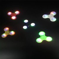 Nouveau LED Light Hand Spinners Fidget Spinner Colorful Triangle Finger Spinning Top Decompression Fingers Toys free DHL