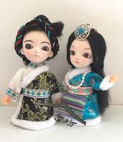 La versione bambola nazionale tibetana della serie Q di seta arti e mestieri ceramiche anche la cerimonia speciale di seta personalizzata di Pechino