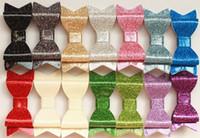 2017 NUOVO Glitter feltro clip di capelli degli archi dei capelli Pin Hotsale superiore qualità sintetico Cuoio Shinning PU Headwear neonate forcine 28PCS / lot