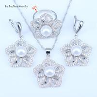 Orecchini a forma di ciondolo in argento bianco simulato con perle bianche e ciondoli in argento 925 per le donne