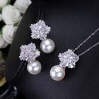 Charmante und elegante neueste frauen kristall perle anhänger halskette ohrringe schmuck set weiß vergoldet halskette schmuck für hochzeit