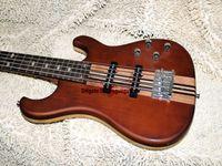 Chitarre di alta qualità del collo di un pezzo del basso elettrico marrone del nuovo arrivo 5 corde che spediscono liberamente
