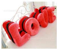 amor grande alfabeto almohada de regalo de boda rojo de la boda de prensa muñeca de la cama un par de compromiso regalo de cumpleaños novia