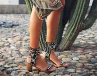 روما نمط الجلود الكاحل التفاف النساء الصنادل عالية الكعب الأزرار المفتوحة تو المصارع الصنادل أحذية جلدية سوداء أحذية سيدة الصيف