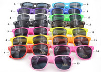 15 colors hot sale classic style sunglasses women and men mo...