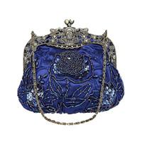 2017 Vintage Kvinnor Rose Beaded Evening Party Wedding Clutch Bag Damies Luxury Handgjord kedja Shoulder Handväska Flap Form Bridal