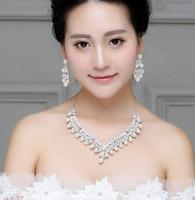 Heißer Verkauf populärer Diamantlegierungs-Perlenhalskettenohrring zweiteilige Art und Weisebrautschmucksache-Hochzeitskleidzusätze shuoshuo6588