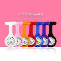 Presente de natal Enfermeira Médica relógio Clipe De Silicone Relógios de Bolso Moda Enfermeira Broche Fob Túnica Capa Médico de Quartzo de Silicone Relógios 3009004