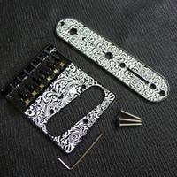 Il ponte della chitarra elettrica Incisione laser in bianco e nero