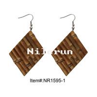 Newerun New Style Creative Novedad DIY Hecho a mano Rhombus Pendientes de raíz de bambú natural