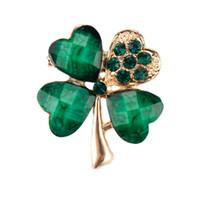 6 pc / lotto dei quattro fogli all'ingrosso Clover cristallo irlandese Shamrock verde Spilla perni del risvolto di Uomini o Donne in assortiti