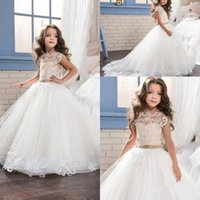 2017 New Lovely Lace Princess Baby Girl Vestidos de meninas de flores Sheer Crew Neck Little Cap Sleeves Backless Formal Girl's Pageant Dresses