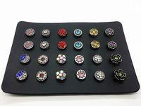 Kadın 12 çiftleri (24 adet) mix stilleri 12mm mini yapış charm düğme için bir deri ile Küpe Tutucu takı Organizatör Standı