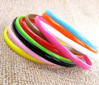 Mezclar los colores del caramelo 0.8cm Ancho niñas delgada diadema de plástico banda para el cabello pelo con dientes de plástico de varios colores de pelo del sombrero del ornamento
