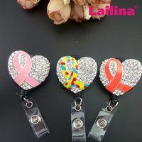 10 unids / lote Customized Crystal Heart Rhinestone Colorido Cinta Retráctil Badge Carrete Plástico Corazón ID Titular de la Tarjeta