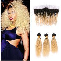 Two Tone 1B 613 scuro radice dei capelli umani del Virgin Ombre Bundles Afro crespo ricci Con 13 * 4 Orecchio Biondo all'orecchio Pizzo frontale Chiusura