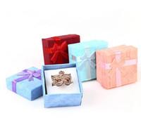 ملون جديد 4 * 4 سنتيمتر jewery المنظم مربع خواتم تخزين لطيف مربع هدية مربع صغير لخواتم الأقراط 4 ألوان شحن مجاني