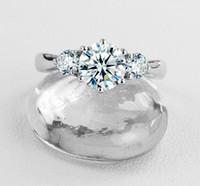 Fede nuziale vintage 3CT con tre diamanti sintetici per anello femminile in argento sterling massiccio con coperchio in oro bianco per sempre brillante