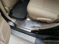 8pcs puerta de acero inoxidable de alta calidad del automóvil antepechos reposapiés desgaste, decoración placa de protección para Toyota Highlander 2009-2014
