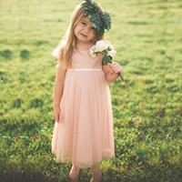 Blush Flower Girls Dresses for Weddings Tulle in pizzo su misura Abiti Flowergirl Capped Maniche corte Lunghezza tè Abiti da cerimonia per bambini