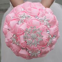 Buquês de Noiva de Casamento Rosa Flores Feitas À Mão Doce 15 Quinceanera Bouquets de Pérolas de Cristal Rhinestone Rose Nupcial Segurando Broche W292-4