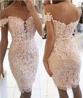 Sexy Short Sheath Off-the-Shoulder Homecoming Kleider 2017 Elegante Spitze Tasten Prom Party Kleider Knielangen mit Perlen Cocktailkleider