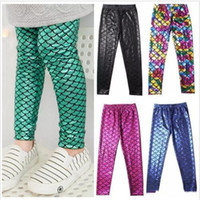 Leggings per ragazze a sirena Calzamaglia per bambini a squame di pesce Pantaloni a matita elasticizzati eleganti Pantaloni a stampa digitale slim per bambini Pantaloni colorati di moda 3-8Y B2331