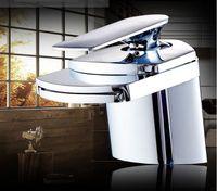 Neue moderne Wasserfall-Waschbecken-Mixer ein Griff Messingmaterial verchromt, beliebt für Europa Market Basin Wasserhahn