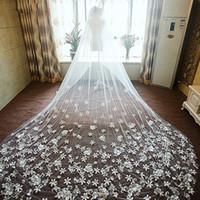2018 Düğün Veils El Yapımı Çiçekler Tek Katmanlı 3D Çiçekler Mahkemesi Tren Gelin Veils Düğün Aksesuarları Veils