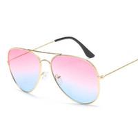 Nueva llegada gafas de sol de moda Nuevo diseño clásico de las mujeres para hombre rana gafas de sol para los amantes de la fiesta de viaje Gafas de fábrica directo al por mayor