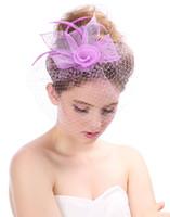 2020 Headwears In Cappelli piuma di modo di Tulle Wedding cappelli nuziali del partito di sera di nuovo stile della nuova annata