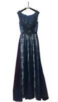 Alta calidad 2019 Scoop mujeres vestidos de noche una línea de longitud del piso de tul de encaje apliques vestidos de fiesta Listones cremallera elegante Robe de soiree barato