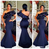 2019 Custom Formal One Hombro Vestidos de noche largos Vestidos Ruffles Sirena Dama de honor Vestidos Slim Africano Mujeres Delgada Formal Formal Party Bats