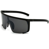 2018 Seksi WomenOversized Maske Şekli Kalkanı Visor SunglassesWomen Vintage Marka Tasarımcısı Erkekler Düz Üst Rüzgar Geçirmez Hood Gözlükler UV400 W72
