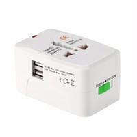 Alle in einem universellen globalen internationalen Stecker-Adapter 2 USB-Port-Weltreise-Wechselstrom-Ladegerät-Adapter mit AU US Großbritannien