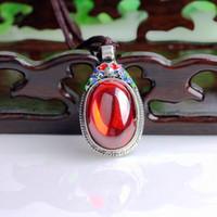 Antique tibétain Silvert Pendentif Zircon Zircon cloisonnée imitation Pendentif vieille dame d'argent magnifique pendentif