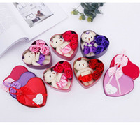 Disponibile Rose Soap Flower With Cute Bear Doll 3Roses 1Bear in a Tin San Valentino Regali Regali di nozze DHL Free Shipping