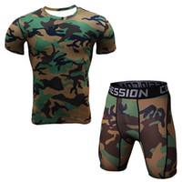 Yeni 2 Parça Erkekler T Gömlek Ve Tayt Sıkıştırma Set Spor Egzersiz Kamuflaj 3d Baskı Mma Sıcak satış Rashguard Crossfit Spor Salonları Giyim