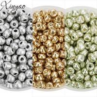 Xinyao 2018 500 قطع الأزياء الذهب / الضوء الأخضر / فضي اللون الزجاج الخرز البذور 3.8 ملليمتر فضفاض الخرز كريستال للمجوهرات